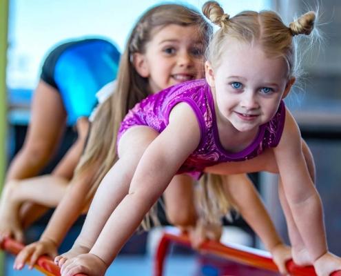 kids-doing-gym-exercises-TheLittlegym-Yuppie